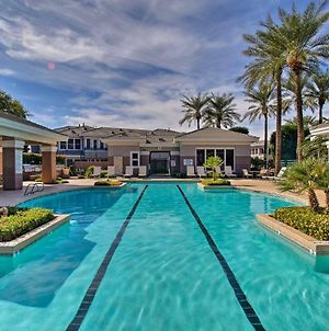 Upscale Scottsdale Getaway With Golf Course Views! photos Exterior