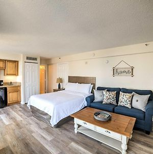 Updated Resort Studio With Pool Access, Walk To Beach photos Exterior