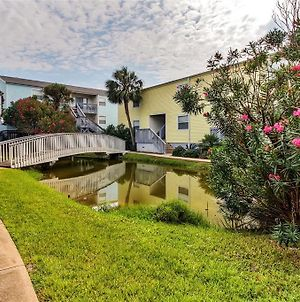 Renovated Pensacola Beach Condo With Pool Access! photos Exterior