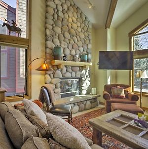 Mountain Refuge With Hot Tub And Peak 8 Ski-In Access! photos Exterior