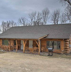 Treehouse Masters Stayed At This Cabin With Deck! photos Exterior