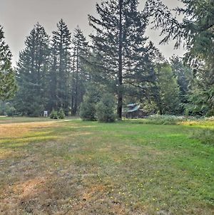 Quaint Packwood Log Cabin On 8 Acres With Hot Tub! photos Exterior