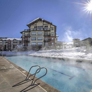 Granby Condo With Pool & Mtn Views - Ski-In And Ski-Out! photos Exterior