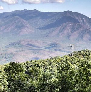Amazing! See Mt Leconte And Gatlinburg From Balcony! photos Exterior