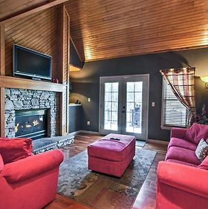 Cozy Pigeon Forge Cabin W/Grill, Deck & Hot Tub! photos Exterior