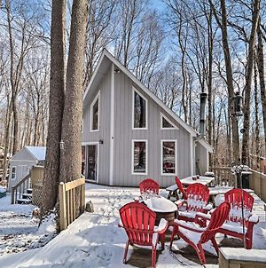 Spacious Pocono Lake House Near Skiing And Swimming! photos Exterior