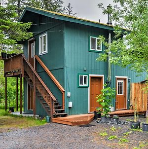 Seward Studio With Deck, Outdoor Dining And Mtn Views! photos Exterior