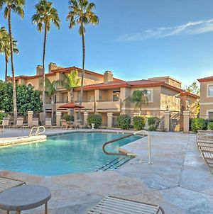 Phoenix Couples Condo With Deck And Pool And Spa Access! photos Exterior