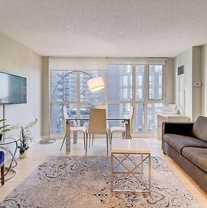 Instant Suites - 3 Bedroom Upscale Condo With Balcony And City Views photos Exterior