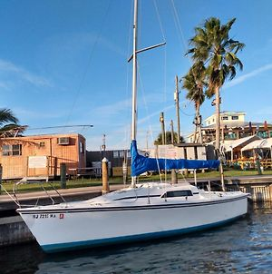 Sailboat Glamping In A Beautiful Marina By The Beach photos Exterior