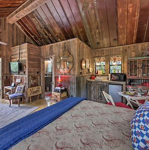 Inn The Woods Wimberley Cabin With Fire Pit And Deck photos Exterior