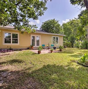San Antonio Home With Yard About 8 Mi To Downtown! photos Exterior