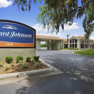 Howard Johnson By Wyndham Beaufort/Parris Island photos Exterior