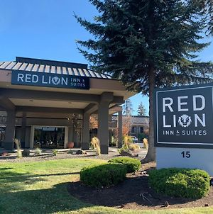 Red Lion Inn & Suites Deschutes River - Bend photos Exterior
