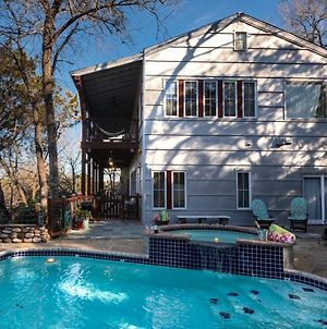 Lake Austin Luxury Guesthouse Cabin Retreat & Modern Farmhouse Suite photos Exterior