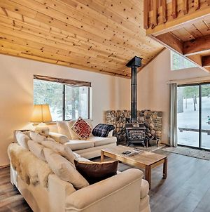 Homey Truckee Escape With Deck & Community Amenities! photos Exterior