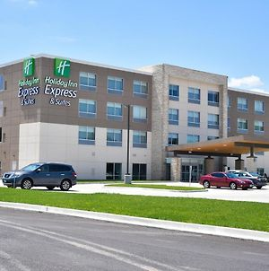 Holiday Inn Express & Suites - Bensenville - O'Hare photos Exterior