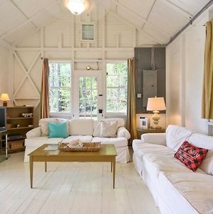 Cozy Berkshires Cabin - Walk To Beach And Lake! photos Exterior