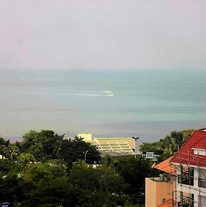 The Cliff Sea & Pool Views Studio Apartment Pratumnak Pattaya photos Exterior