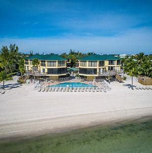 Coco Plum Beach & Tennis Club & Marina photos Exterior