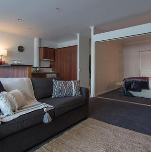 Warm & Inviting 1 Bedroom Apartment In The Viaduct Harbour photos Exterior