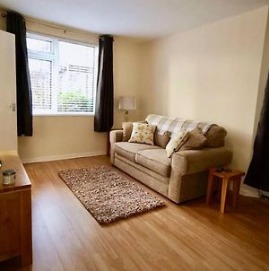 Central 1 Bedroom Stokes Croft Flat With Parking photos Exterior