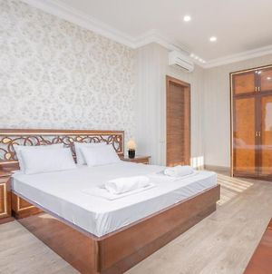 Central Yerevan 2 Bedrooms Penthouse Apartment With Balcony View,Near Republic Square photos Exterior