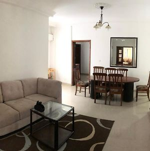 Cozy And Spacious Appt In Central Dakar 3 Br photos Exterior