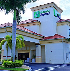 Holiday Inn Express Stuart photos Exterior
