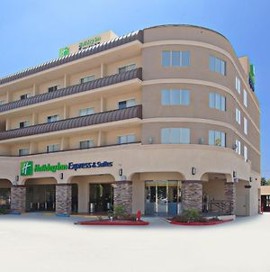Holiday Inn Express Hotel & Suites Pasadena-Colorado Boulevard photos Exterior