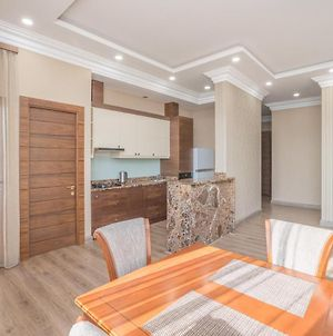 Central Yerevan 2 Bedrooms Penthouse Apartment With Best Balcony View photos Exterior