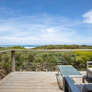 Pole House Beach Retreat: Ocean Views, Architecture photos Exterior