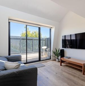 Spacious 2 Bedroom Inner City Townhouse With Private Rooftop photos Exterior