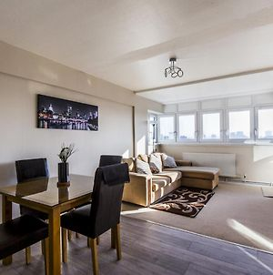 Modern 2-Bedroom Flat With Amazing Views photos Exterior