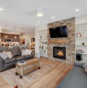 Free Activities & Equipment Rentals Daily - New Luxury Loft #207 Near Resort With Huge Hot Tub & Views photos Exterior