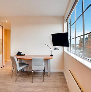 One Bedroom Apartment In Chelsea With Sauna photos Exterior