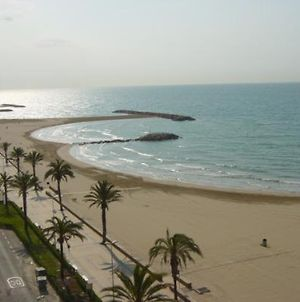 Lovely Seaside Apartment In Front Of Calafell Beach And Cunit Beach photos Exterior