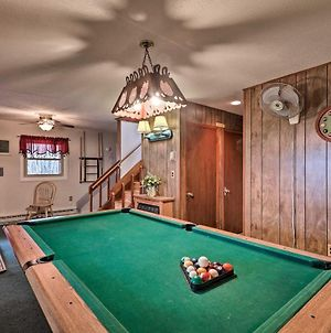 Lake Harmony Group Retreat With Billiards And Hot Tub! photos Exterior