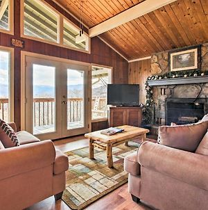 Mountain Views Await About Gatlinburg Cabin With Hot Tub! photos Exterior