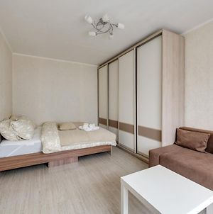 Cosy Apartment With Two Bedrooms On Khersonskaya Street photos Exterior