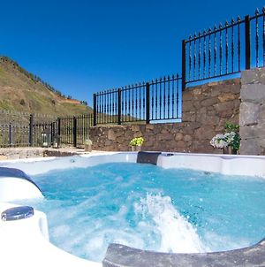Villa Mogaren: Jacuzzi And Beautiful Views photos Exterior