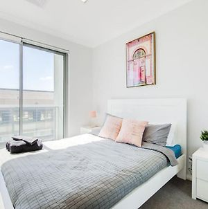 The Heart Of Northbridge With Complimentary Parking, Wifi & Netflix photos Exterior