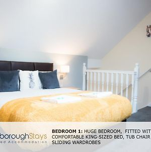 Ashville Lodge- A Spacious 5 Bedroomed Townhouse - Free Parking - 5 Min To The Beach And Peasholm Park photos Exterior