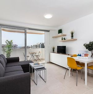 Modern And Recently Renovated Apartment In Arona photos Exterior