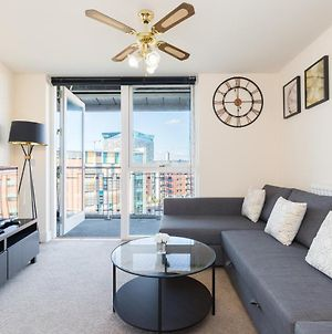 Birmingham City Penthouse - Free Parking & Balcony photos Exterior
