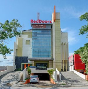 Reddoorz Plus Near Hotel Benua Kendari photos Exterior