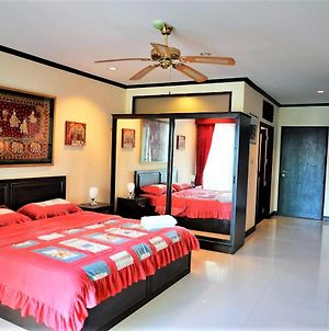 Jomtien Plaza Residence With Sea View, Spa Shower & Bath Tub photos Exterior