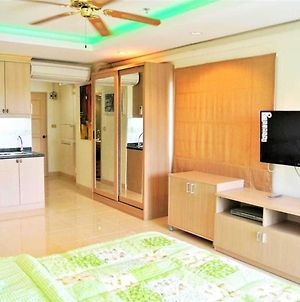 Jomtien Beach Condo With Salt Water Pool - Condominiums For Rent In Muang Pattaya photos Exterior