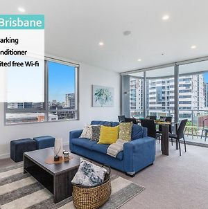 Luxury 2 Bed Apt In South Brisbane And Free Parking Qsb058 photos Exterior
