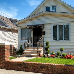 Charming Queens Getaway - 3 4 Mi From Jfk Airport! photos Exterior